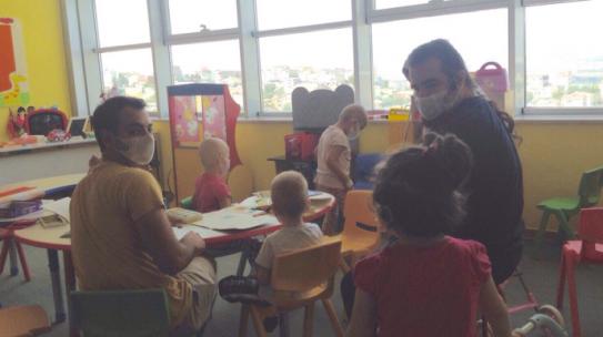15.08.2015 / Kanuni Sultan Süleyman Eğitim ve Araştırma Hastanesi Çocuk Onkoloji Birimi Boyama Seti Yardımı
