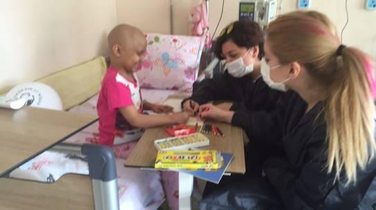 23.04.2016 / Okmeydanı Eğitim ve Araştırma Hastanesi Çocuk Onkoloji Birimi Boyama Seti Yardımı