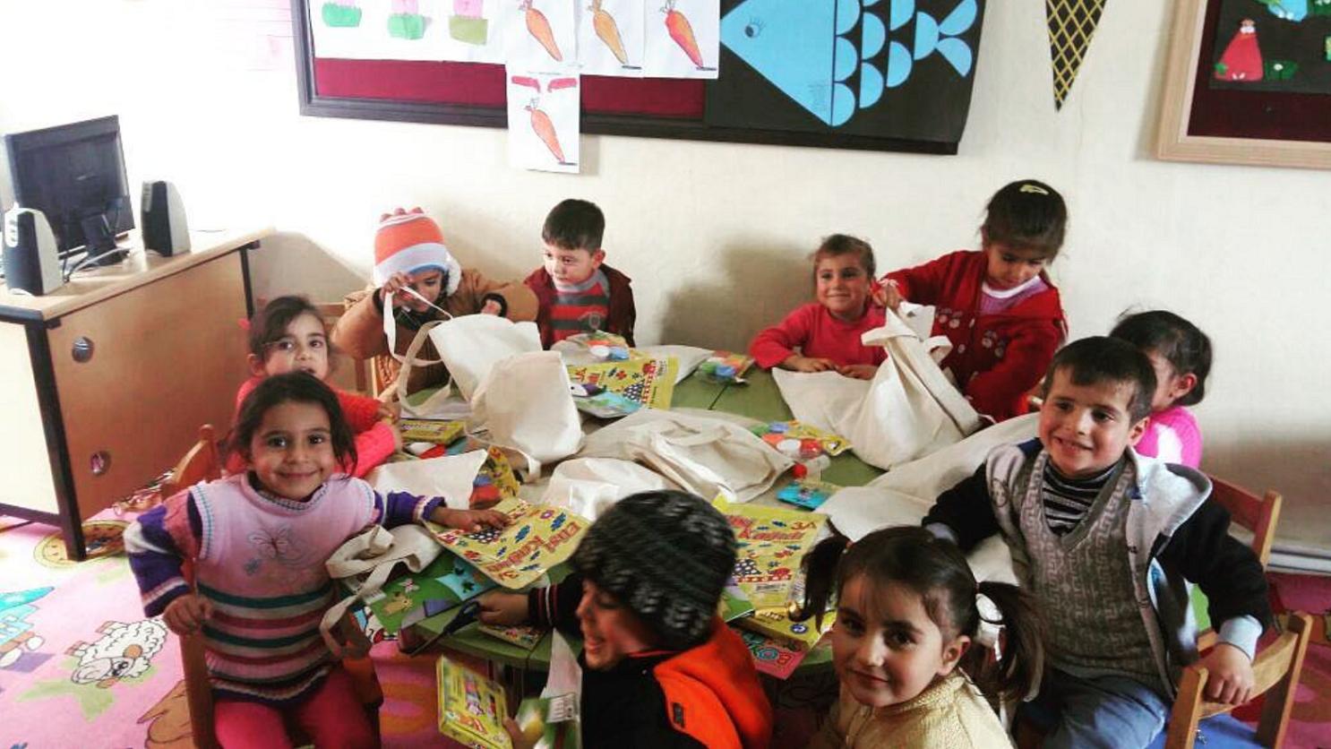 24.11.2016 / Anaokulu Seti Yardımı [Van – Gevaş Hasbey Köyü Anaokulu]